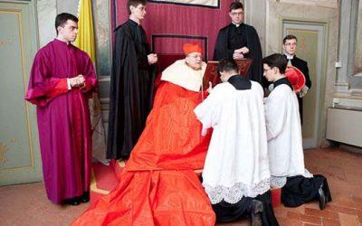 Gol stoji Bog koji sve odijeva, pa što bi drugo htjela njegova Crkva?